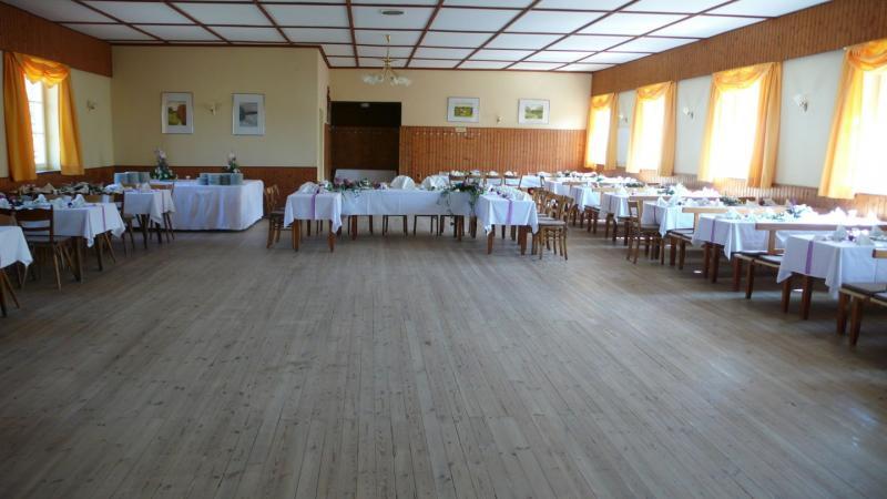 holledauerwirtshaussaal